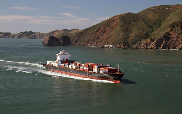 Advantages & Disadvantages of Ocean Freight Transportation